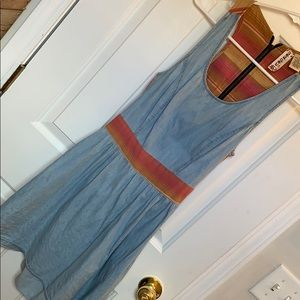 Cute summer dress with cutout in back AND POCKETS